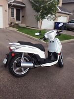 Kymco People125cc Scooter