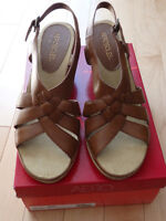 Sandales Neuves Aerosoles / Brand New Sandals Size 9