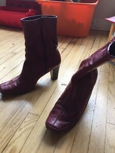 Aerosoles red/wine size 7 boots