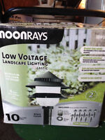 MOONRays Low Voltage Landscape Lighting // Eclairage Paysager a