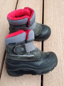 Toddler North Face boots size 7