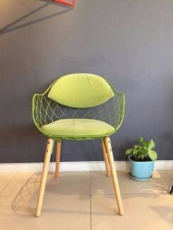 Modern and funky desk and chair in great condition