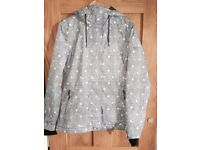 Quiksilver ladies ski jacket - medium/ regular fit (STILL AVAILABLE IF STILL ADVERTISED)
