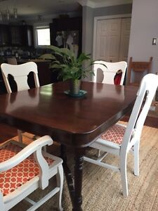 Beautifully refinished antique table Peterborough Peterborough Area image 2