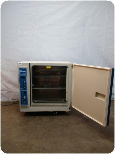 FORMA SCIENTIFIC 3028 CO2 INCUBATOR ! (222797)