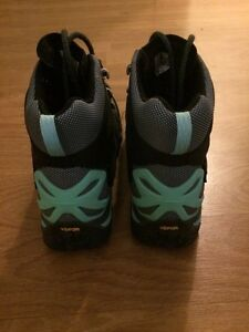 Hiking boots and shoes - women's 8.5 - never worn Kitchener / Waterloo Kitchener Area image 9