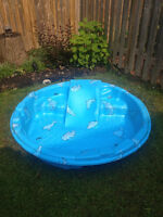 KID'S POOL WITH A SLIDE