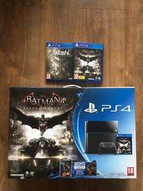 PS4 Like New, Limited edition, includes two games