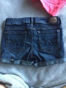 American Eagle Size 2 Shorts Peterborough Peterborough Area image 2