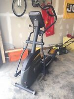 Live strong LS15.0E elliptical