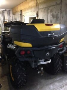 Can am outlander 800 r comme neuf