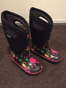 Girls size 11 BOGS winter boots