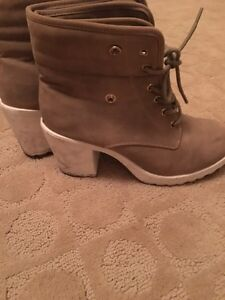 Aldo Chunky lined boots, barely worn