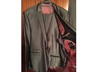 Men's designer Marc Darcy 3 piece suit 42/386R