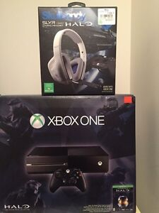 Xbox one barely used with gamer headphones