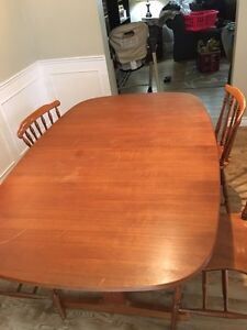 Kitchen table  London Ontario image 3