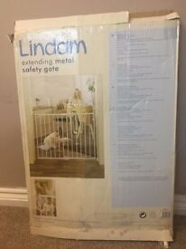 Lindam Extending Baby Gate