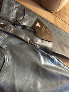 BRAND NEW GUESS JEANS WITH TAG!!  London Ontario image 1