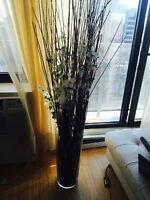 decoration florale avec son vase en verre
