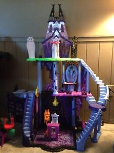 Monster High Freaky Fusion Catacombs Playset Windsor Region Ontario image 2