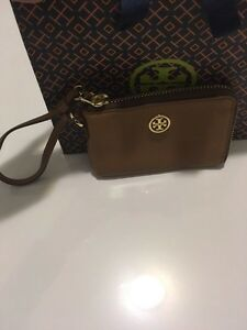 Tory Burch - Robinson Pebbled Zip Coin Wristlet Kitchener / Waterloo Kitchener Area image 4