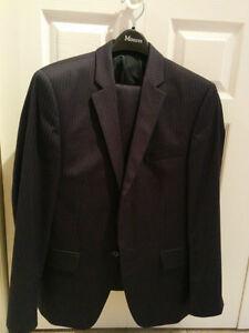 Jones New York - JNY Dark Blue Striped Suit - Size 38S/32 Waist