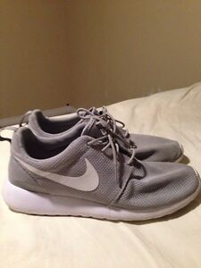 nike roshe one men's size 11.5 Cambridge Kitchener Area image 4