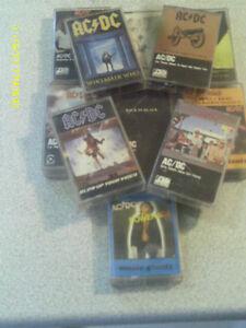 LOT DE 11 CASETTES AUDIO DE AC/DC ANNÉES 70/80