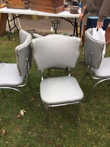 Wanted-set of 4 chairs like these, any color is fine Kitchener / Waterloo Kitchener Area image 1