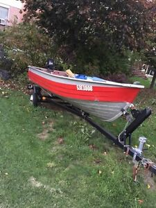 BOAT  (MOVING SALE)