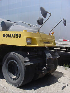 Komatsu JW215 pneumatic 7 wheel compaction roller 10/14 tons, Downtown-West End Greater Vancouver Area image 4