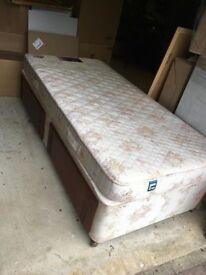 Single Divan Bed. 'Dunlopillo' 2 drawers under. Excellent condition.