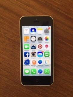 white iphone 5c 32GB UNLOCKED to any network with case Preston Darebin Area Preview