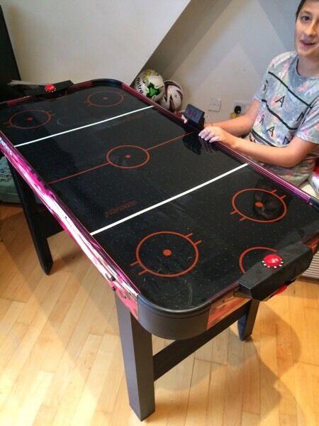 Table air hockey table