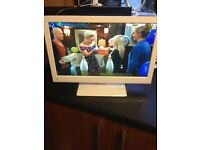 """19"""" white tv/dvd with freeview and remote"""