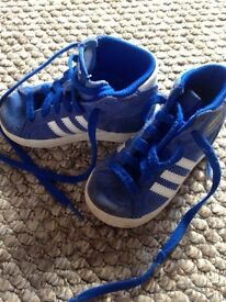 Kid trainers toddler size 4 and 5