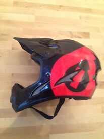 Full face bike helmet