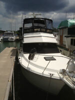 **BEAUTIFUL** 1985 3207 Carver Aft Cabin Motor Yacht FOR SALE