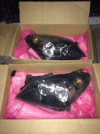 MK 5 Astra headlights left and right with bulbs