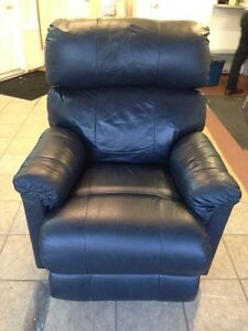 Leather LazyBoy recliner for sale