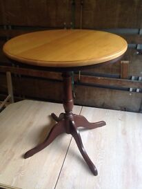 Wooden round top table