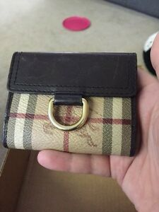 Burberry  Bifold Wallet Leather Haymarket Pattern Authentic!
