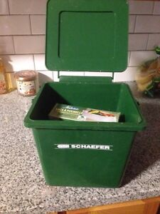 Compostable bucket with bags