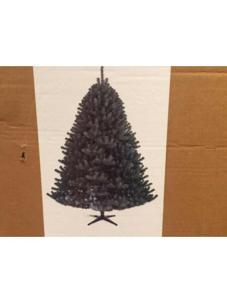 Green artificial 6ft Xmas Tree - Boxed £15.00