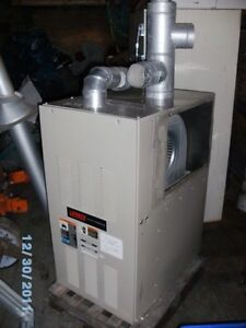 LENNOX CENTRAL FORCED AIR NATURAL GAS FURNACE