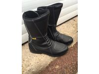 BULLSON LADIES MOTORCYCLE BOOTS SIZE 40 EX CONDITION