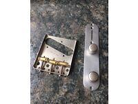 Fender Telecaster 52 Relic Bridge / Control Plate & Knobs