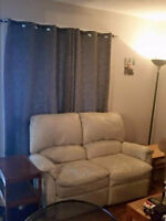Room for rent in 3 bedroom townhouse