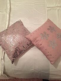 Set of cushions