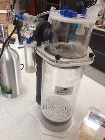 Marine fish tank accessories doing pump calcium reactor ph probe